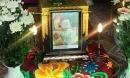 Quảng Ninh: Bế con sang đường bị xe máy tông tuột tay khiến con tử vong, mẹ trẻ đau đớn lên mạng cầu cứu tìm thủ phạm