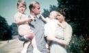Tuổi thơ cơ cực của Hoàng tế Philip: Mẹ nằm viện tâm thần, chị gái bị tai nạn máy bay tử vong, từ hoàng tử lưu vong trở thành phu quân Nữ hoàng Anh