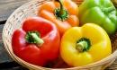 12 loại rau quả tồn dư thuốc bảo vệ thực vật nhiều nhất, cải xoăn tưởng lành tính cũng đúng thứ 2