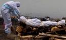 Tột cùng của sự khốn khổ giữa 'địa ngục Covid' Ấn Độ: Thi thể dạt bờ hàng loạt ở sông Hằng, vì người nghèo không đủ tiền hỏa táng nữa