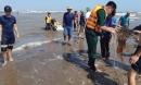 3 học sinh bị sóng cuốn ở Nam Định: Đã tìm thấy thi thể 1 nạn nhân cách hiện trường 3km