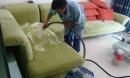 Mách bạn cách giặt sofa vải tại nhà siêu nhanh