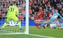 Klopp vung nắm đấm, Guardiola đập mạnh tay, dàn siêu sao 'lên thần' ở Anfield