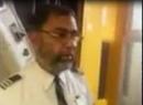 Thượng nghị sỹ Pakistan bị mời ra khỏi máy bay vì đến muộn