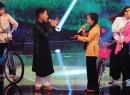 Giọng hát Việt nhí: Thích thú với tiết mục 'Thương nhau lý tơ hồng'
