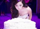 Hoa hậu Giáng My thay 3 váy trong tiệc sinh nhật
