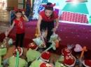 Mẹ con Trương Ngọc Ánh mang giáng sinh ấm áp đến cho trẻ mồ côi
