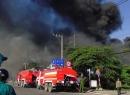 Công ty sản xuất đồ nội thất chìm trong biển lửa, liên tục nổ lớn