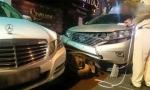 Hà Nội: Nhân viên bãi giữ xe lái Mercedes của khách gây tai nạn liên hoàn
