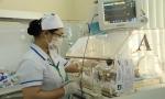 Đắk Lắk: Thêm trẻ sơ sinh nguy kịch vì dùng dao lam cắt rốn