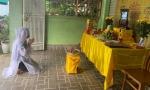 Hà Tĩnh: Mẹ qua đời, nữ nhân viên y tế nghẹn ngào vì không thể về chịu tang do đang thực hiện nhiệm vụ