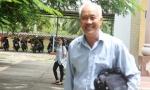 Ông lão 70 tuổi mừng rơi nước mắt khi đỗ tốt nghiệp THPT