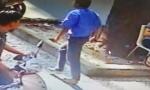 Va chạm giao thông, tài xế xe buýt rút dao đâm người trọng thương