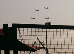 Hồng Kông xuất hiện máy bay quân sự ở cảng Victoria