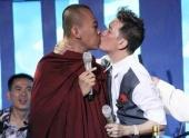 http://xahoi.com.vn/muc-phat-dam-vinh-hung-nhu-gai-ngua-119542.html