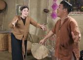 http://xahoi.com.vn/xem-truoc-xuan-hinh-hong-van-dien-hai-tet-2013-123282.html