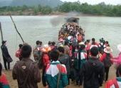 rung-minh-canh-thuyen-12-nguoi-nhoi-gan-100-khach-87416.html