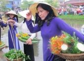 di-cho-que-festival-thuong-ao-dai-mau-tim-90698.html
