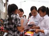 http://xahoi.com.vn/dap-an-de-mon-ly-van-thi-cao-dang-106433.html