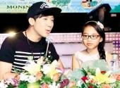 http://xahoi.com.vn/moi-my-chi-dong-phim-khong-de-cau-khach-148645.html