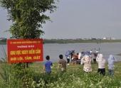 nong-24h-mot-sinh-vien-chet-oan-uong-giua-bai-da-song-hong-130528.html