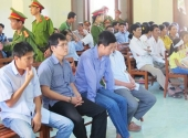 vang-nhieu-nhan-chung-phien-phuc-tham-5-cong-an-danh-chet-nguoi-phai-tam-hoan-173733.html