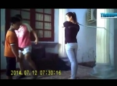 clip-soc-dung-khuc-cay-de-day-tre-tu-ky-176744.html