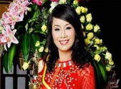 nu-dai-gia-u50-cuoi-doi-the-tham-vi-tinh-tien-180923.html