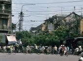 hinh-anh-doc-ve-ha-noi-nam-1991-qua-ong-kinh-nguoi-duc-185577.html