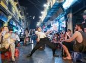 http://xahoi.com.vn/cuoc-song-doi-thuong-cua-thanh-quay-gay-sot-vietnams-got-talent-187579.html