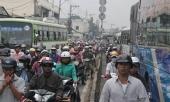 quoc-lo-1-ket-cung-5km-hang-ngan-nguoi-tre-gio-205625.html