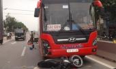 thai-phu-sap-sinh-bi-xe-khach-tong-vang-xuong-duong-207225.html