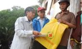 khan-truong-cap-gao-cho-nguoi-ngheo-don-tet-221424.html