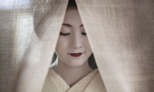 cuoc-song-bi-an-cua-cac-thieu-nu-kho-luyen-thanh-geisha-274663.html
