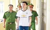 http://xahoi.com.vn/bac-sy-hoang-cong-luong-doi-mat-voi-khoan-tien-boi-thuong-khung-298998.html