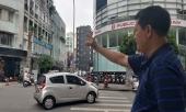 dang-bang-qua-duong-nguoi-dan-ong-bi-ke-cuop-ap-sat-giat-tui-xach-chua-hang-tram-trieu-dong-o-sai-gon-312856.html