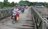 bang-hoang-phat-hien-thi-the-be-so-sinh-noi-tren-song-nam-rom-315587.html