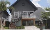 http://xahoi.com.vn/nhan-vien-resort-ke-ve-loi-song-ky-quac-cua-nhom-nghi-can-giet-nguoi-roi-do-be-tong-331903.html