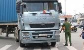 nu-cong-nhan-di-xe-dap-bi-xe-container-can-chet-thuong-tam-giua-nga-tu-333665.html