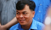 phuc-xo-cuoi-tuoi-hau-toa-phai-nho-cong-an-diu-vao-buc-khai-bao-356759.html