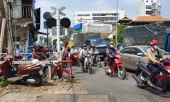 tp-hcm-on-lanh-xe-lua-sap-toi-nam-shipper-van-co-bang-ngang-va-bi-keo-le-367572.html