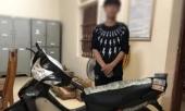 bat-nam-sinh-trom-vang-hang-xom-mua-xe-may-tang-ban-gai-370263.html