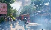 tphcm-nha-vang-chu-boc-chay-du-doi-lan-sang-2-can-nha-lien-ke-373943.html