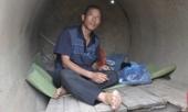 song-trong-cong-lay-lat-tren-via-he-thanh-pho-10-nam-bo-ngheo-nuoi-con-do-thu-khoa-dh-y-ha-noi-375521.html