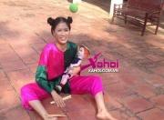 Siêu mẫu Trang Trần hóa thân thành người đàn bà điên
