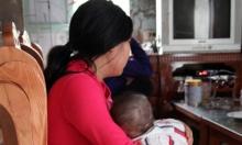 Vụ nữ sinh lớp 8 sinh con: Bố tai biến, mẹ chết lặng vì đau đớn