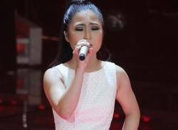 Liveshow 5 The Voice Việt 2012: Hương Tràm tỏa sáng