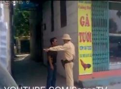 Video: CSGT bị đối tượng cầm gậy đuổi đánh ở Hà Nội