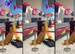 Xôn xao clip 'thầy tu' đập phá, đòi treo cổ ở sân bay