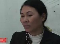 Nữ tài xế taxi 'ủi' thanh tra giao thông lên nắp ca-pô